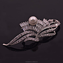 Bruiloft Accessoires Bridal Elegante <span class=keywords><strong>Goedkope</strong></span> Strass <span class=keywords><strong>Parel</strong></span> <span class=keywords><strong>Broche</strong></span> in Bulk