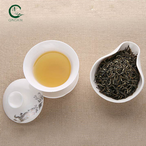 Hand-rolled Jasmine Dragon Pearls Tea with orchid scent