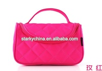 2016 fashion quilted cosmetic bag with zipper