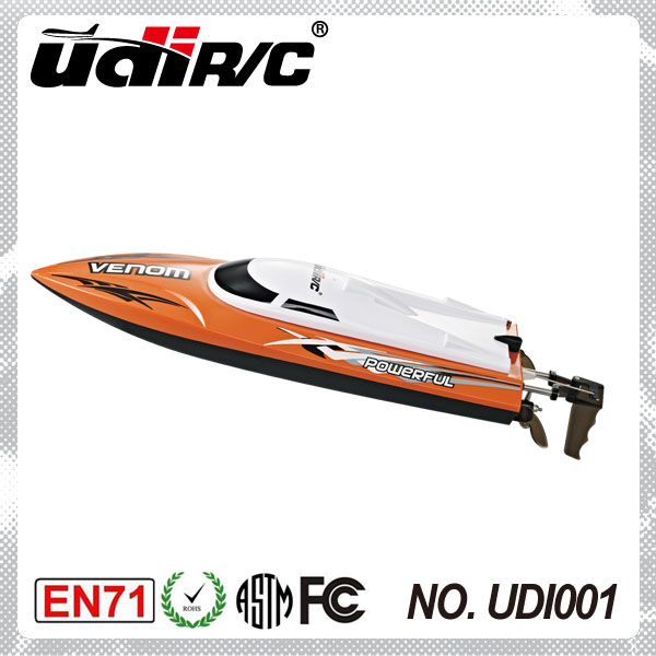 2014 new 2.4Ghz battery powered high speed watercraft UDI001