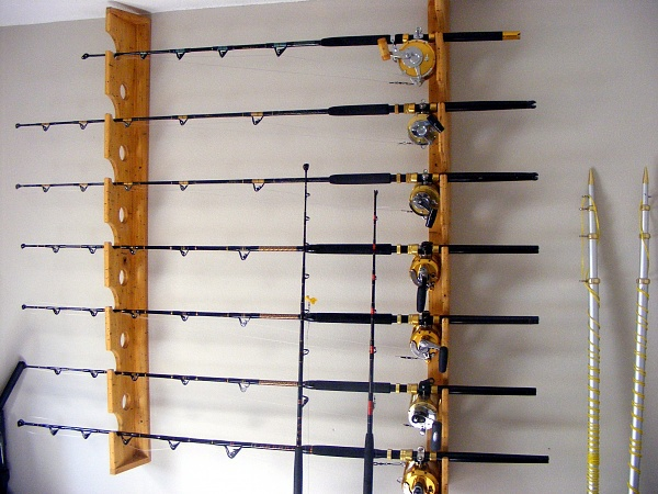 Wandhalterung holz angelrute rack hochwertige gestells for Wall mount fishing pole holder