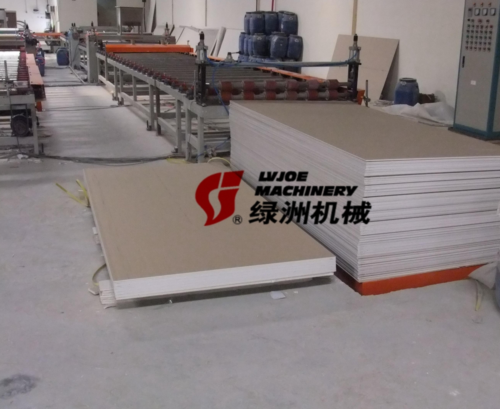 Widely application wallboard veneer laminating machine