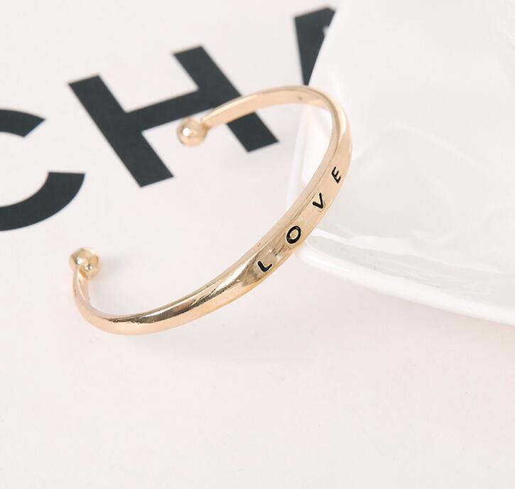 2019 hot selling Classical designs Open Cuff Bangle Engraved Letter love  Personalized Custom Bangle Jewelry