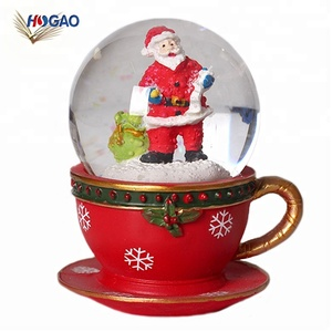 China new innovative product christmas gifts & crafts snow water globe resin santa claus snow globes for holiday souvenir gift
