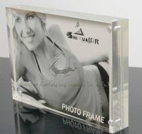 curving acrylic magnetic photo frame ,acrylic picture frame stand