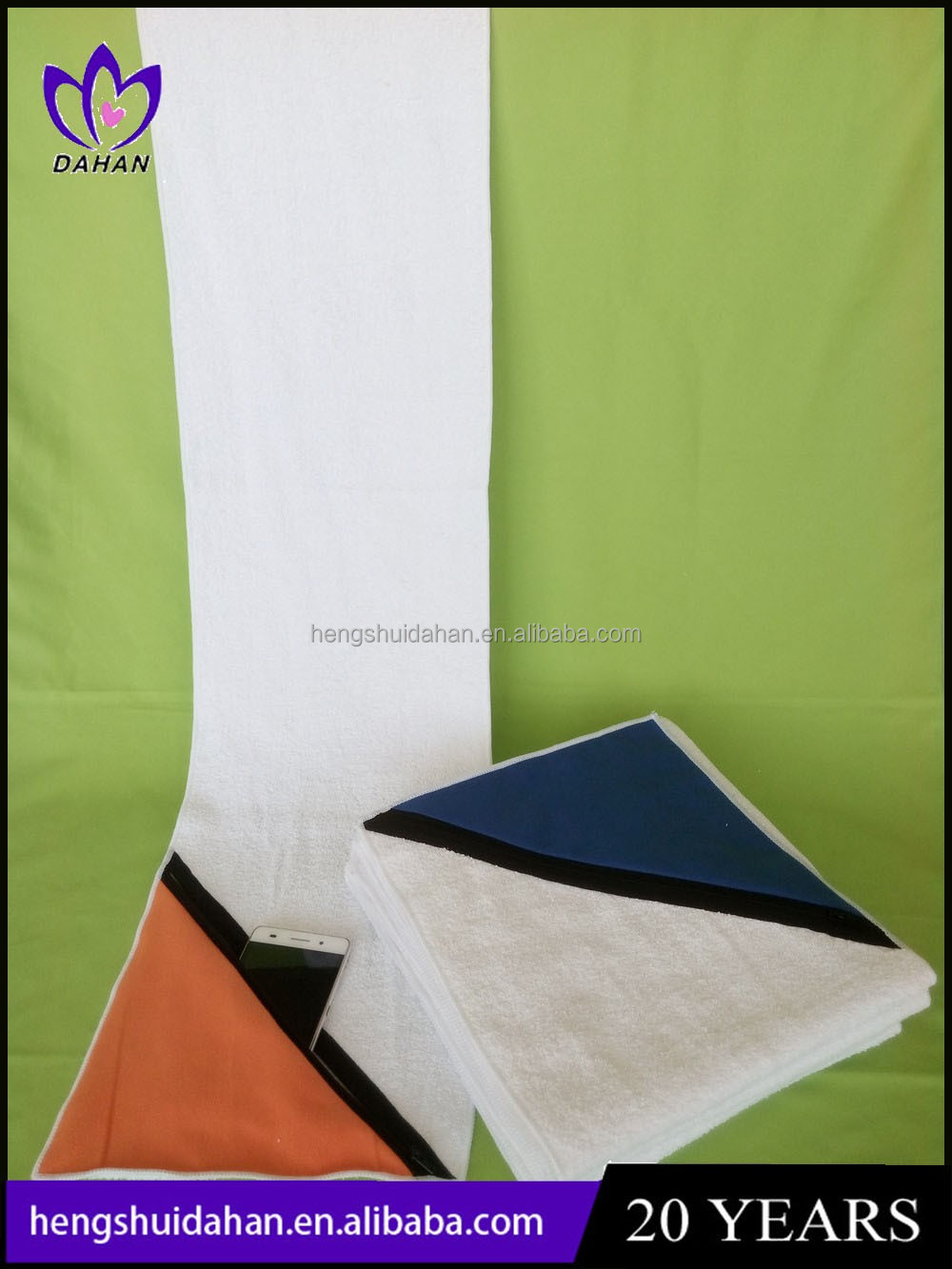 China supplier manufacture sports terry towel with suede bag pocket zip lock golf towel