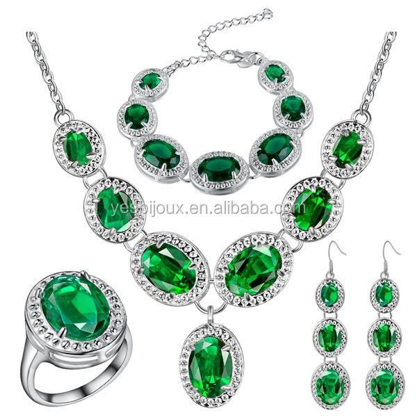 Emerald Fashion Jewelry 18ct White Gold
