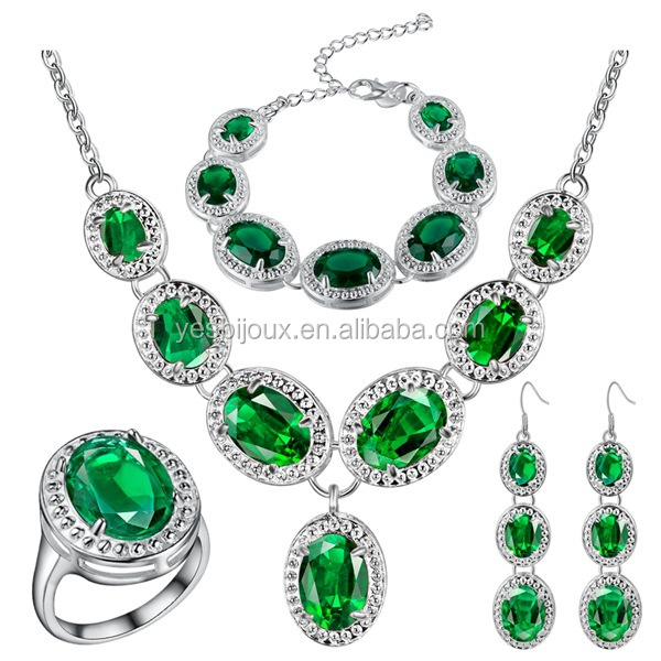 Korean Emerald Fashion Jewelry 18ct White Gold Fine Fashion