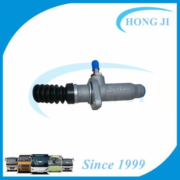 Zhongtong Bus Parts Auto Engine Spare Parts Bus Brake Clutch Master Cylinder