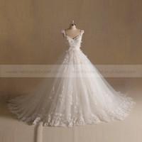 New Arrivals Princess Hand Made Flowers & Beads Ball Gown Wedding Dress Long Train