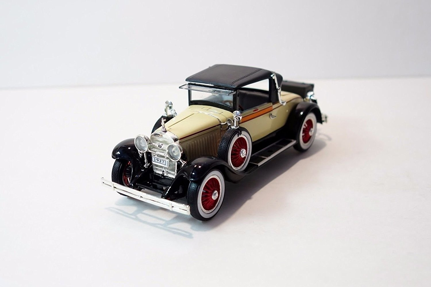 1927 Cadillac 314 Roadster Tan 1/32 by Signature Models 32352