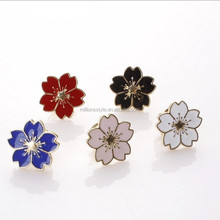 custom brooch lapel pin flower shape enamel lapel pins