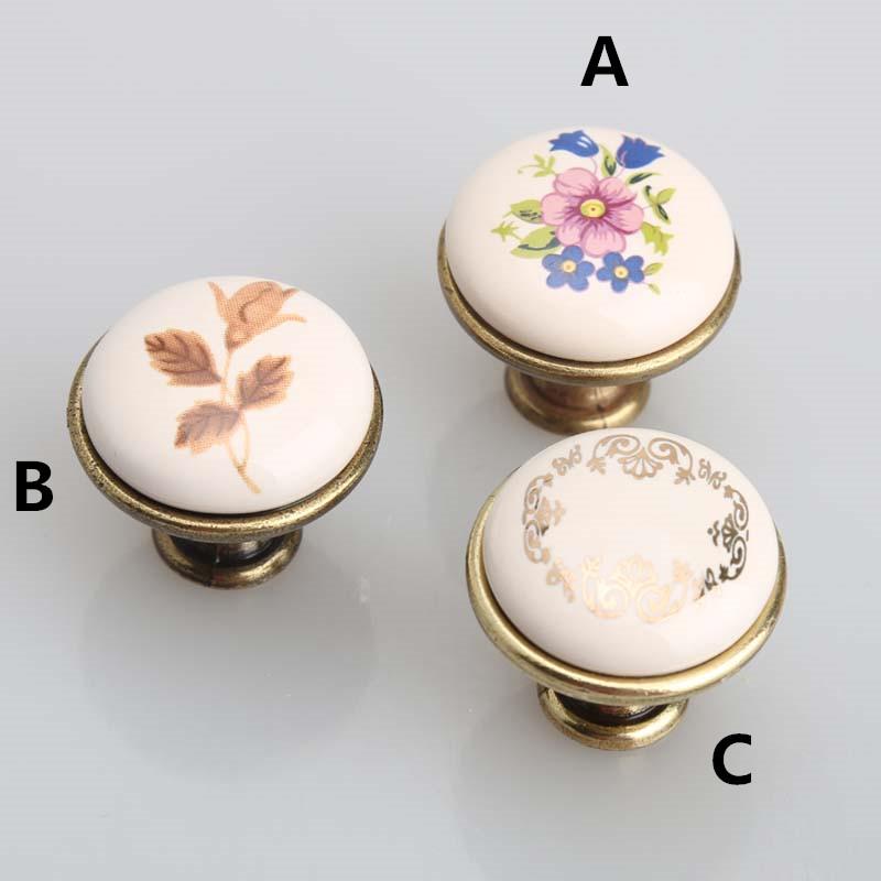 petit porcelaine boutons promotion achetez des petit porcelaine boutons promotionnels sur. Black Bedroom Furniture Sets. Home Design Ideas