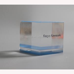 Blank transparent acrylic desk block mockup 3d rendering Clear plexiglass  name plate design mock up