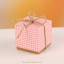Rote Gingham Rustikalen Favor Box <span class=keywords><strong>Hochzeit</strong></span> <span class=keywords><strong>Gunsten</strong></span> Geburtstag Candy Box