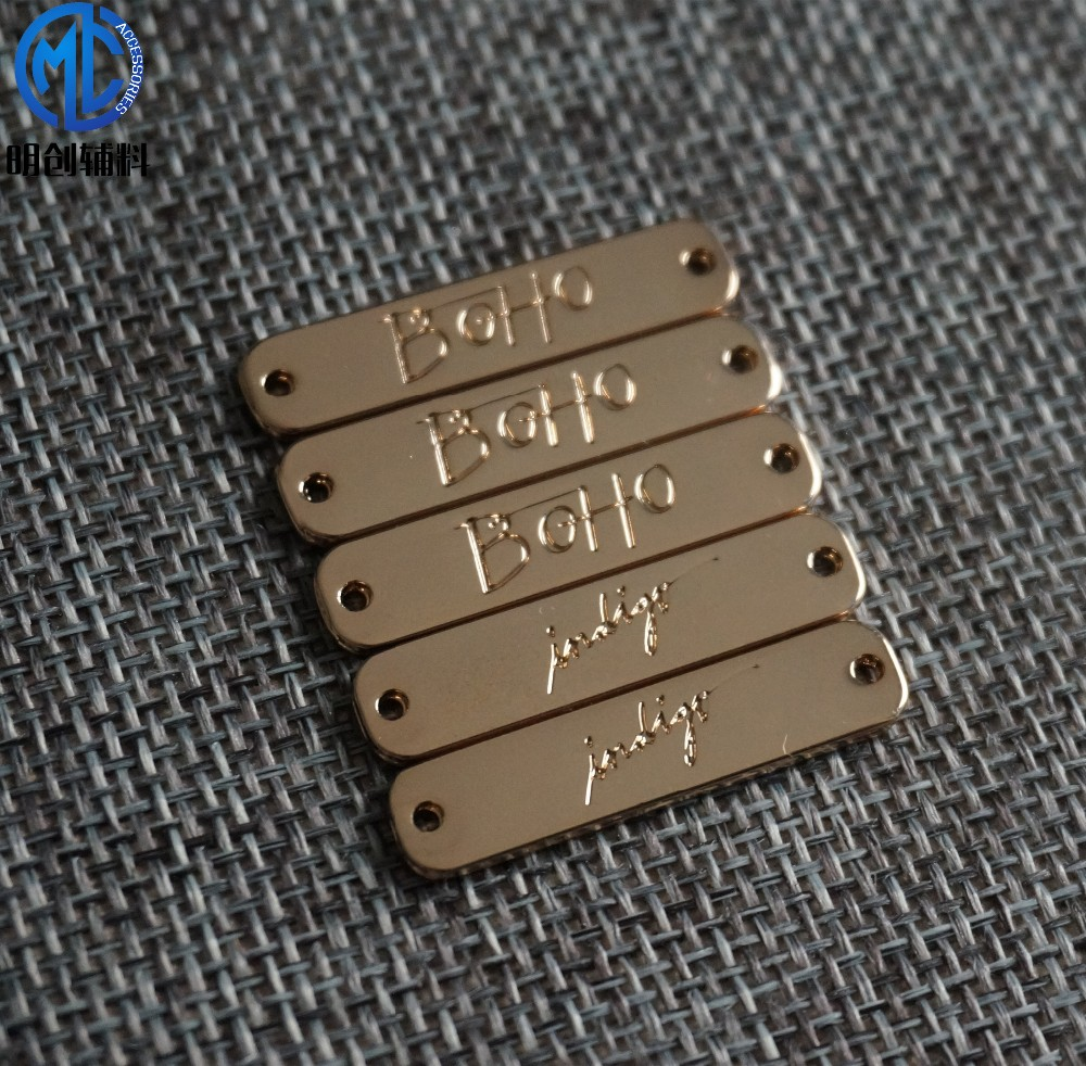 Factory price decorative engraved metal logo plate in gold