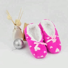 2019 winter lady indoor home shoes with pvc dots