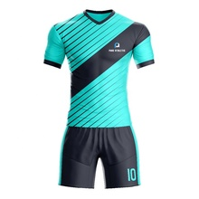 PUR Nouveau style Impression de Football personnalisé Polyester multicolore rayé vêtements De Football Uniforme de Maillot de <span class=keywords><strong>sublimation</strong></span>