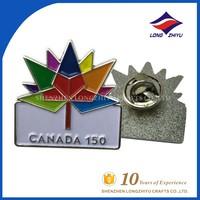 Exquisite Soft Enamel Canada 150 Souvenir Pin Badge with Maple Leaf Image