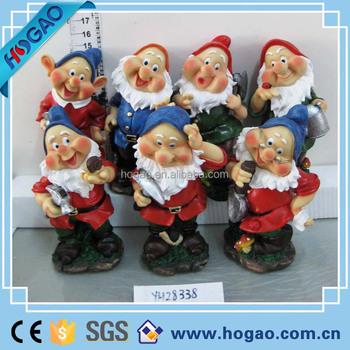 Ordinaire Resin Mini Gnome Garden Figurine