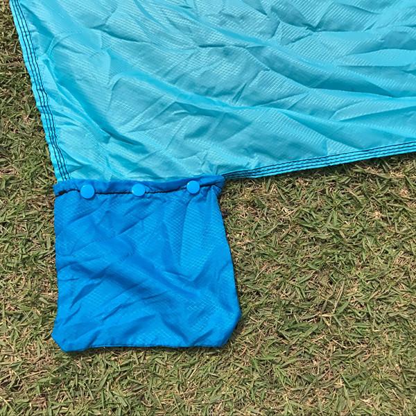 ทรายผ้าห่มชายหาดแบบพกพา - ร่มชูชีพไนล่อนผ้าห่มปิกนิกพร้อมมีค่า, 5 Weightable กระเป๋า + 4 ห่วง Anchor