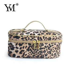 new design leopard cosmetic pouch packing bag for makeup travel bag