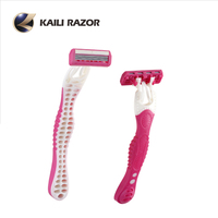 High quality shavers with curved rubber handle and pivoting triple blade head