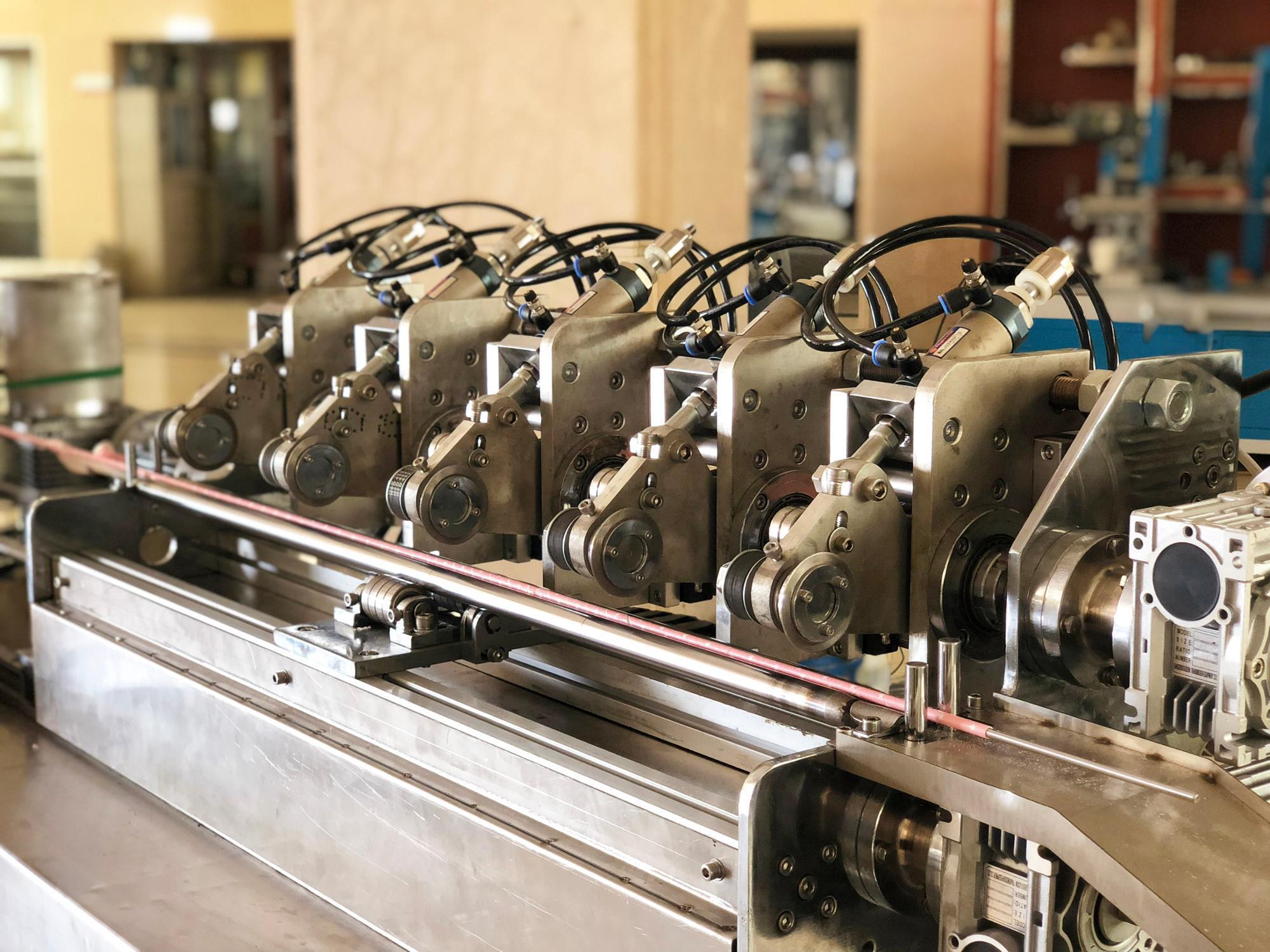 เครื่องทำฟางดื่มกระดาษความเร็วสูงแบบหลายใบ