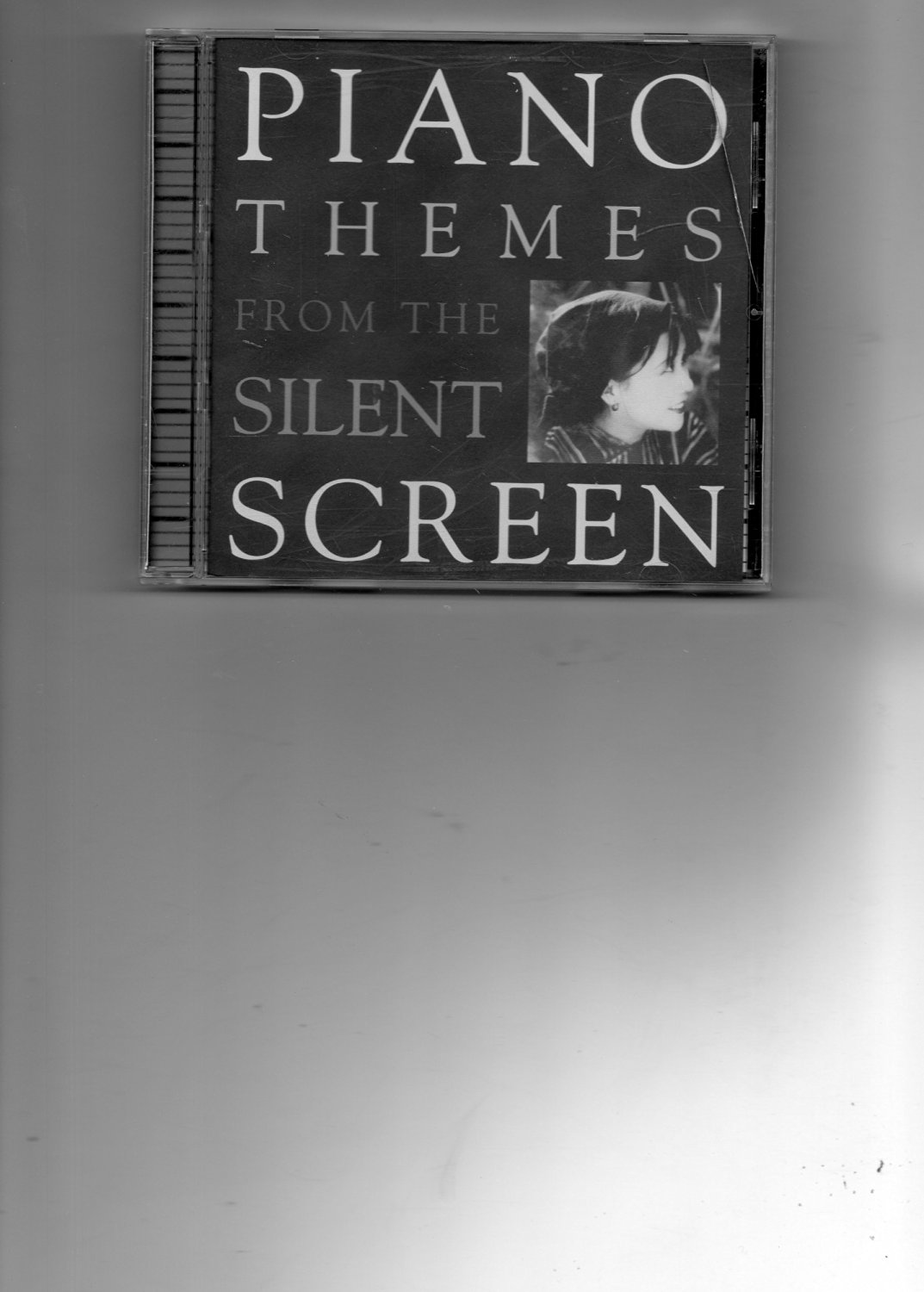 Audio CD: PIANO THEMES FROM THE SILENT SCREEN (Cabinet of Dr. Caligari, Nosferatu, The Lost World, Sunrise, Love & Duty Lian'ai Y Yiwu, The Peach Girl)
