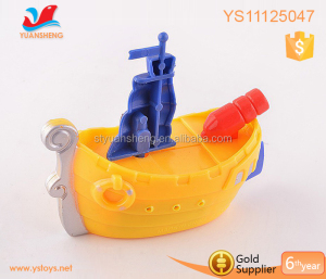 2018 Promotional windup toy mechanism cheap wind up boat can swimming on the water