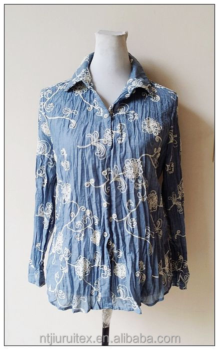 Ladies' crinkled blouse with full embroidery