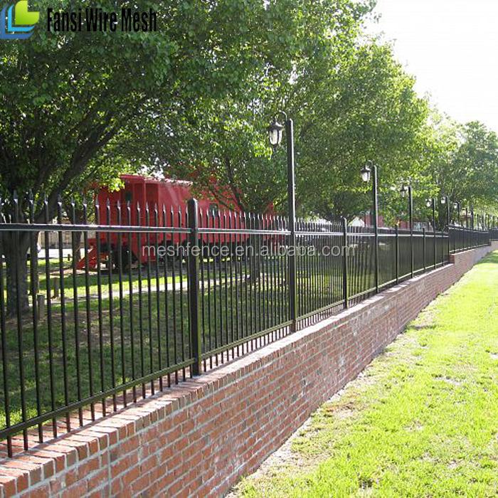 Solide pvc en fer forgé panneaux de clôture de jardin en métal et ...