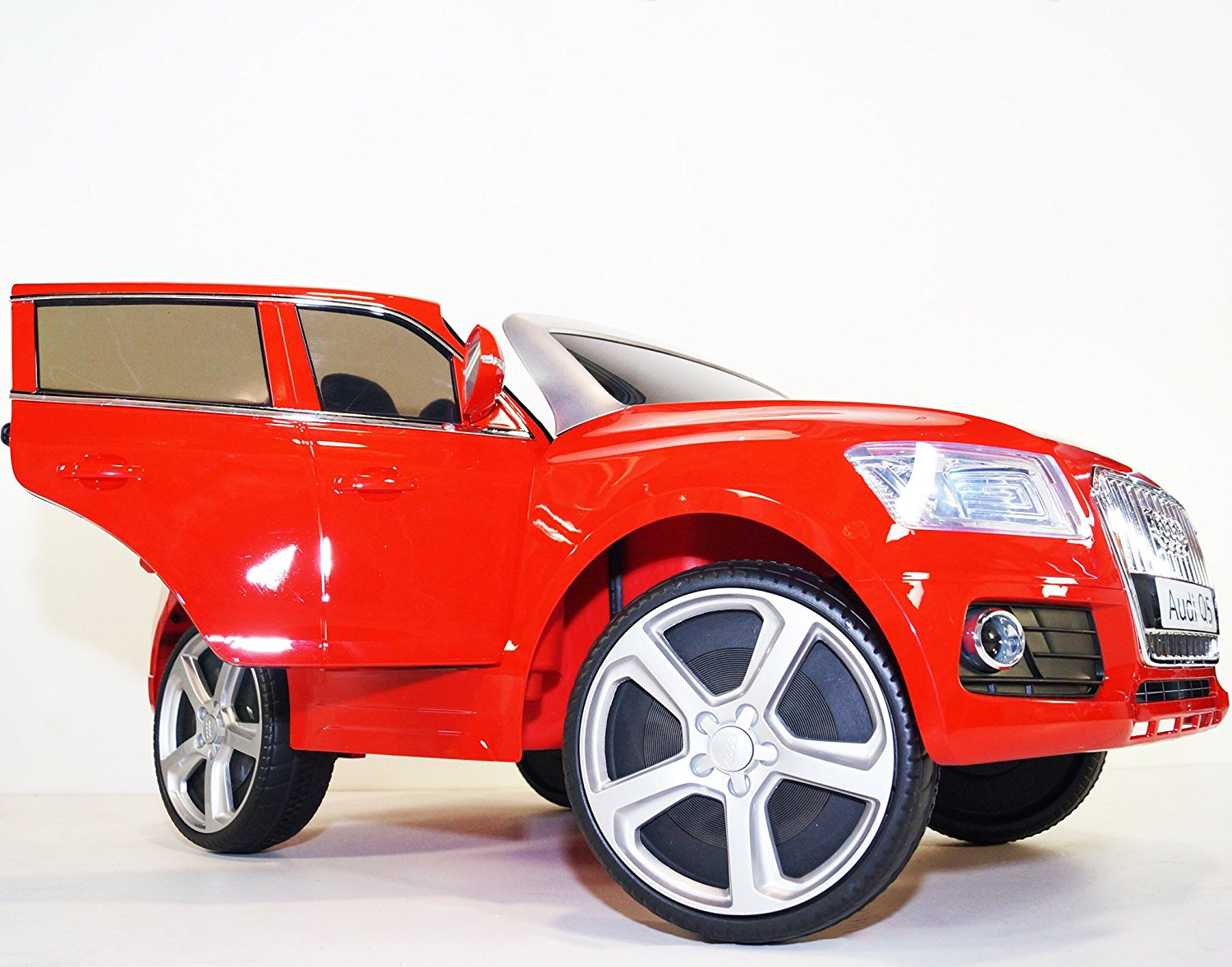 Ride on car AUDI licensed. 3 speed. Electric car Q5 with remote control. Battery operated car for kids. Two motors. Total 12v. Electric car for kids to ride from 2 to 6 years. Powered riding toys.