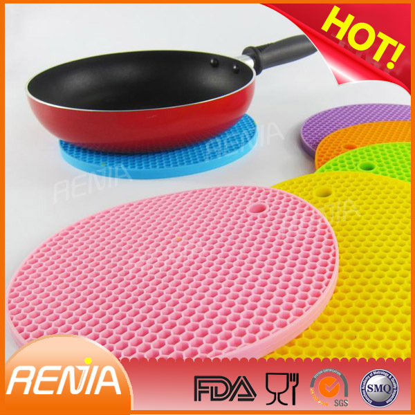 RENJIA coloring silicon table mat heat resistant silicone placemats fridge monkey silicone mat