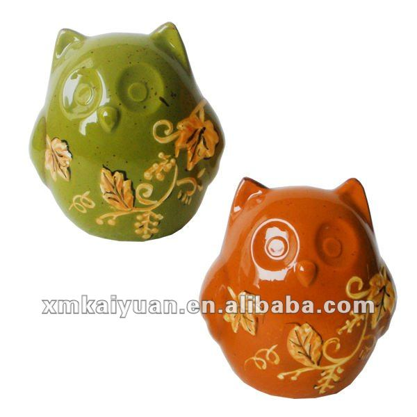 Novelty Harvest ceramic owl salt and pepper shakers