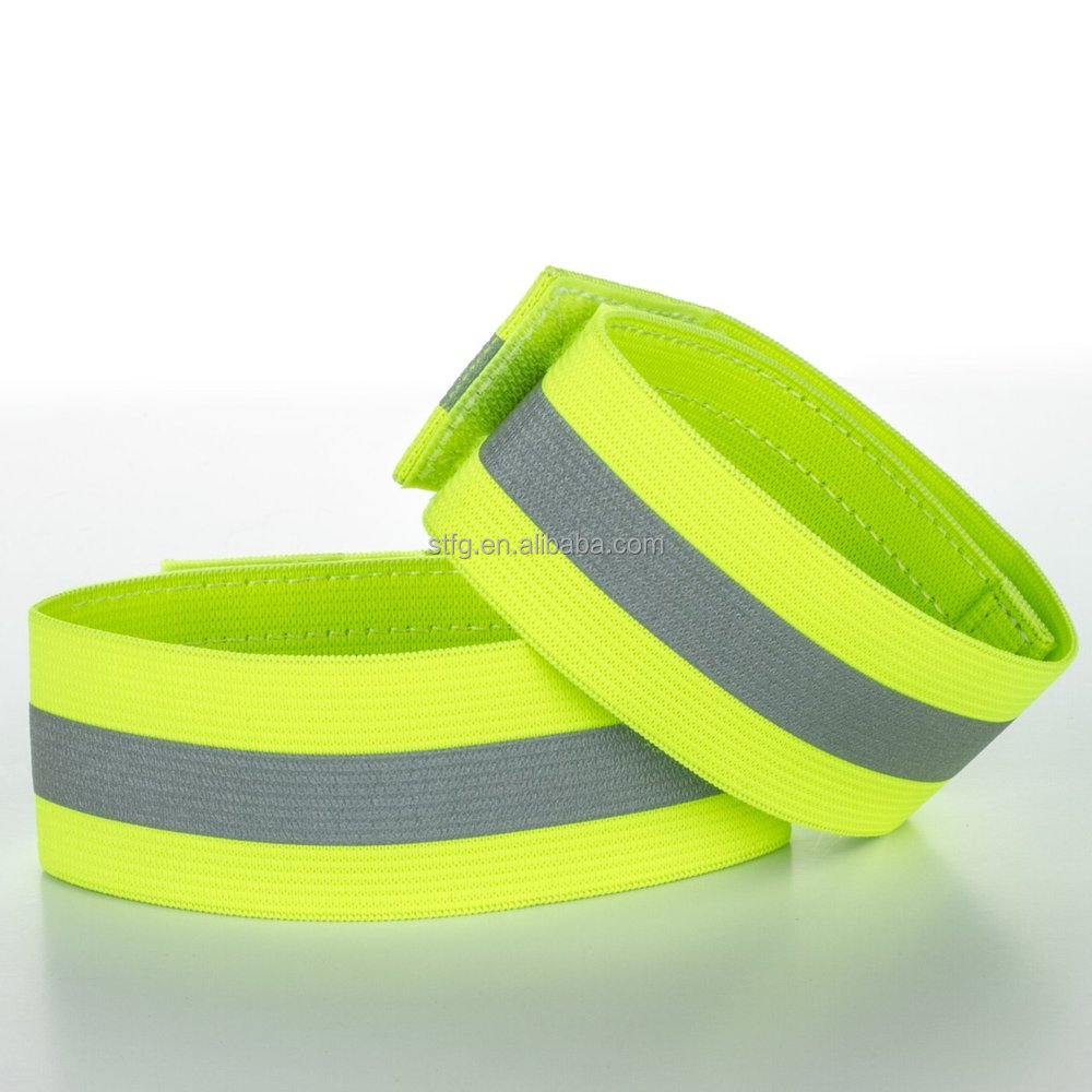 Specialized green adjustable length safety elastic bands/armband