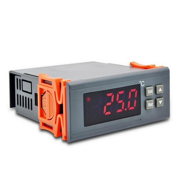RINGDER RC-312M Digital Temperature Controller Thermostat for Truck Refrigerator Price