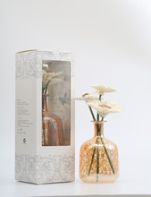 Newest arrival good sale fake flower ocean breeze reed stick diffuser bottle