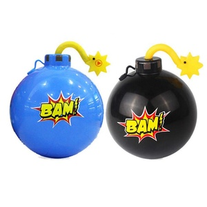 Most Popular Party Favor Items Funny Desktop Spraying Water Bomb Toy Game