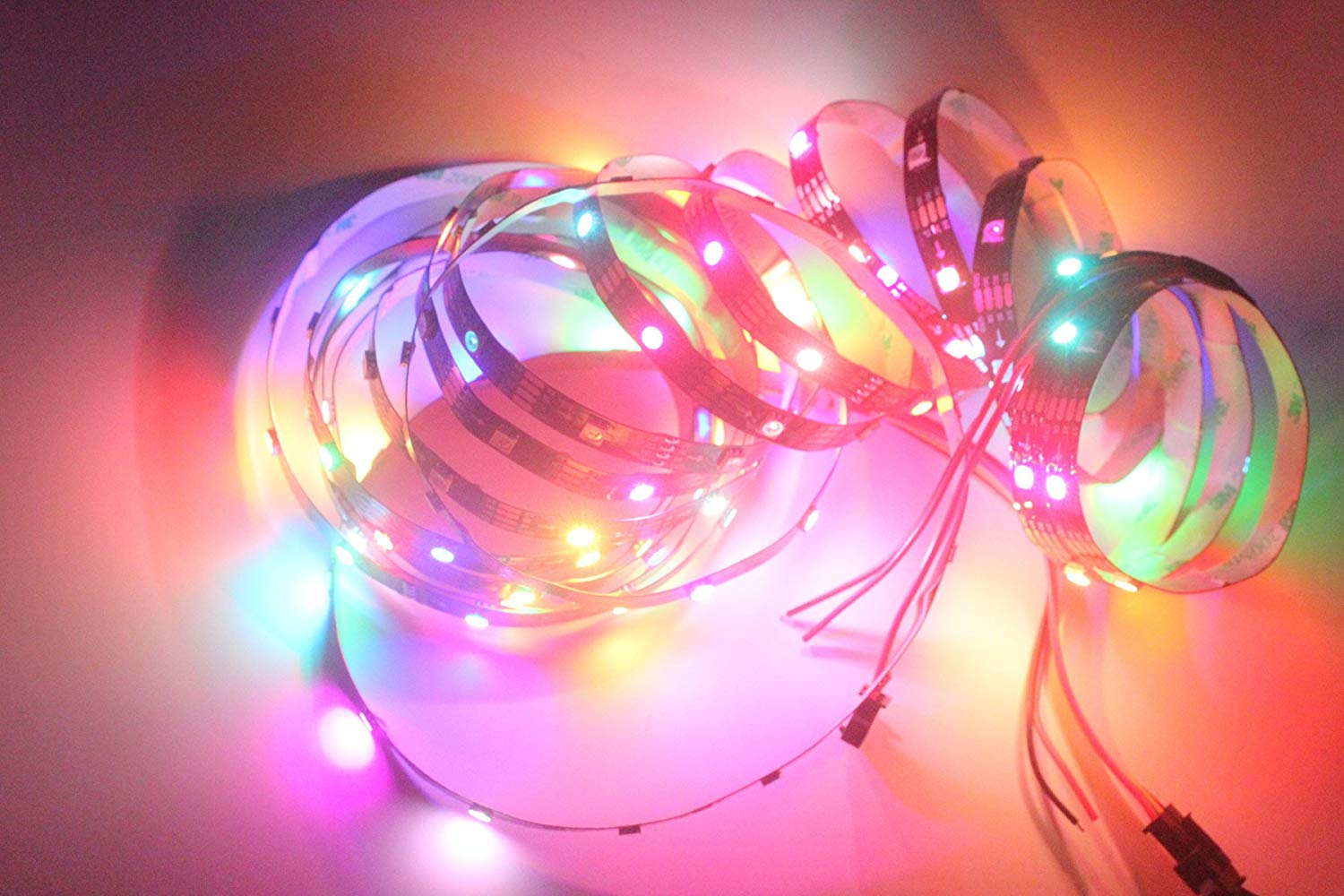 INVOLT WS2813 (WS2812B-upgrading) Individually Addressable LED Strip 30 LED/M 150 Pixel 16.4ft 5V, RGB Programmable Dream Color Chasing Light, Non-Waterproof Black PCB (with Dual Data Signal Wires)