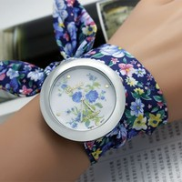Latest hot selling fashion Big flower cloth belt accessories lady watch ,colorful geneva quartz watch