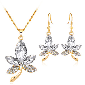 Wholesale diamond Maple leaves Pendant necklace earrings set Valentine's Day gift gold plated jewelry sets