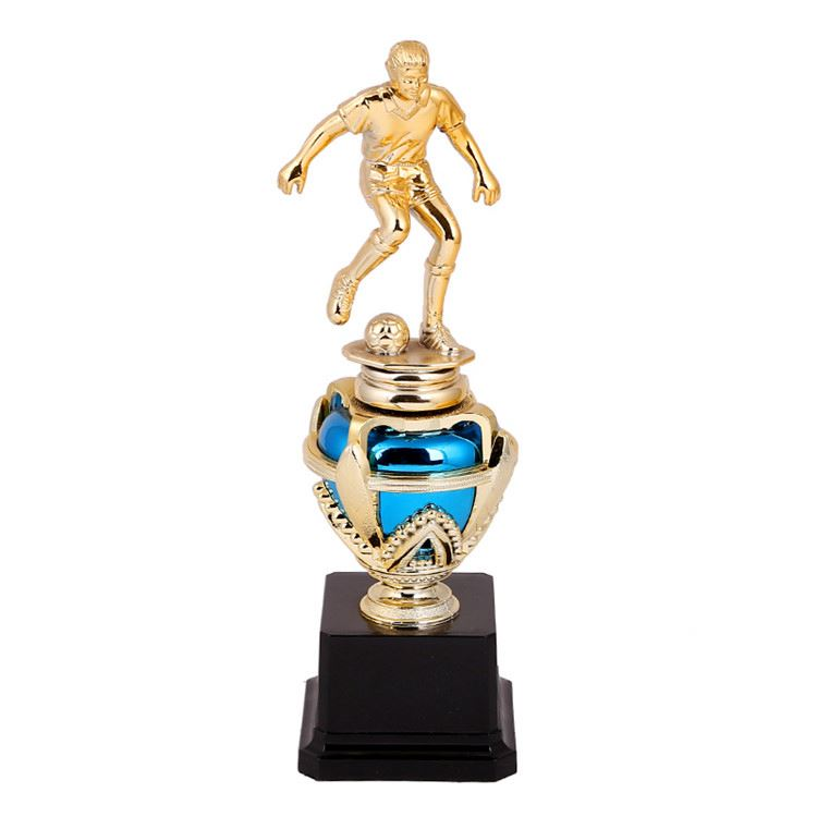 New arrival attractive style collectible use soccer player plastic figures trophy