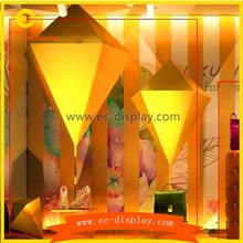 newest brands store window display props design square &taper decoration