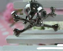 Gun black skull brooches raw and bloody bones skull skeleton head brooch pins for women men Halloween gift