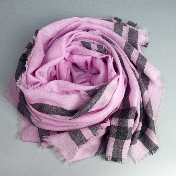 fashionable The Yarn Dyed Wool & Pashmina Scarf With The Silver Lurex