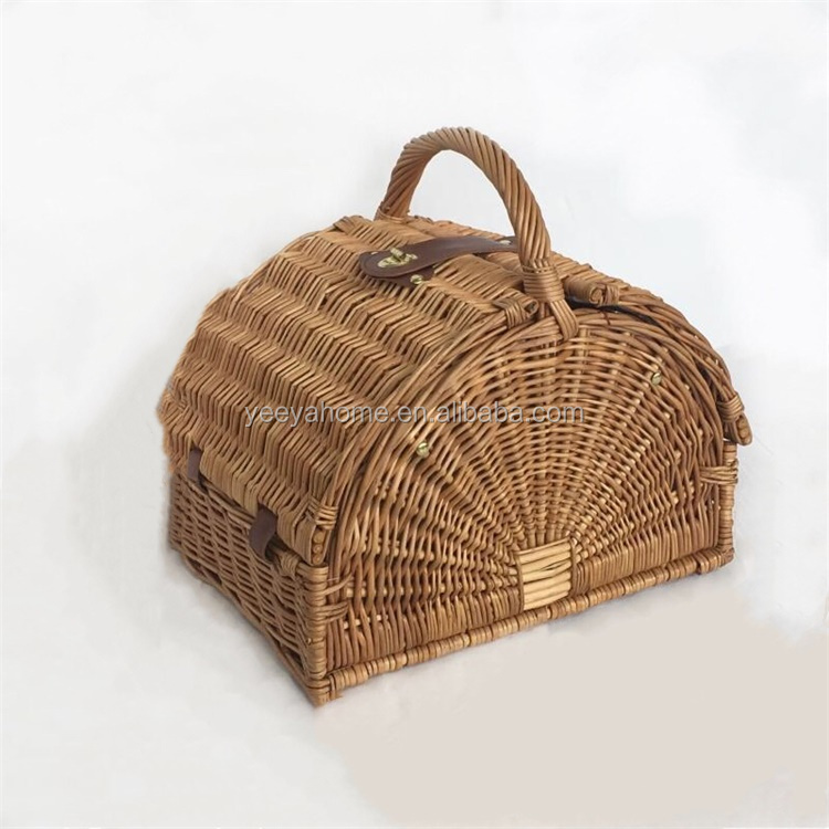 2019 fashion design cheap willow picnic set basket for 2 person with cutlery