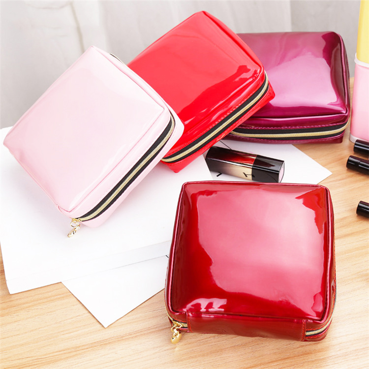 New fashion travel shiny ladies zipper vinyl PVC bags for <strong>cosmetics</strong>