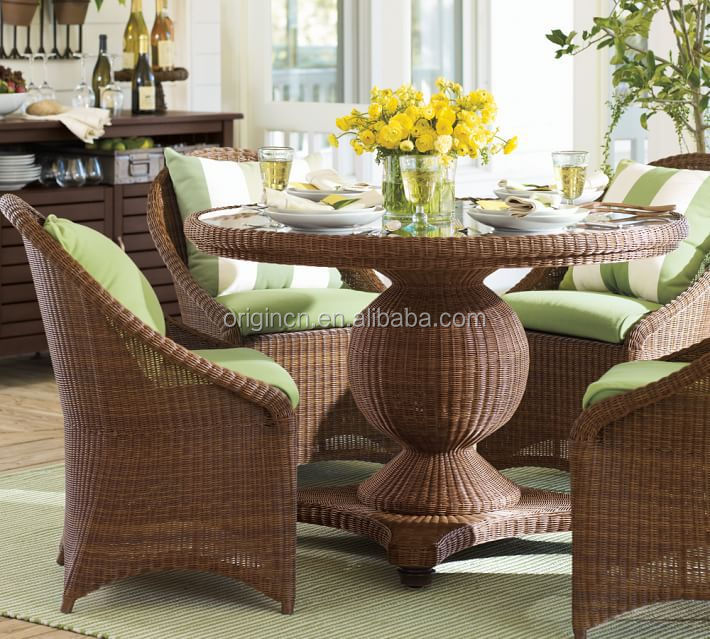 Gl Top Round Table And Chairs Rattan