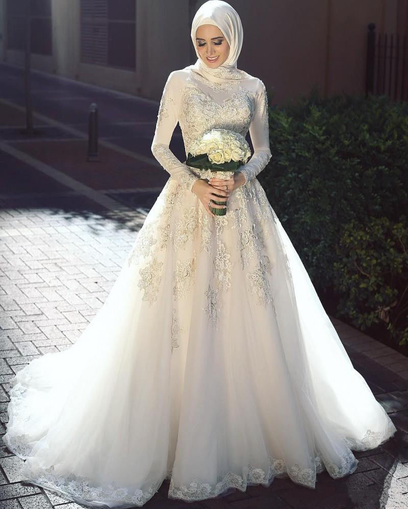 Luxury Gold Lace Long Sleeve Wedding Dresses Arabic Muslim Bridal Gown With Cape